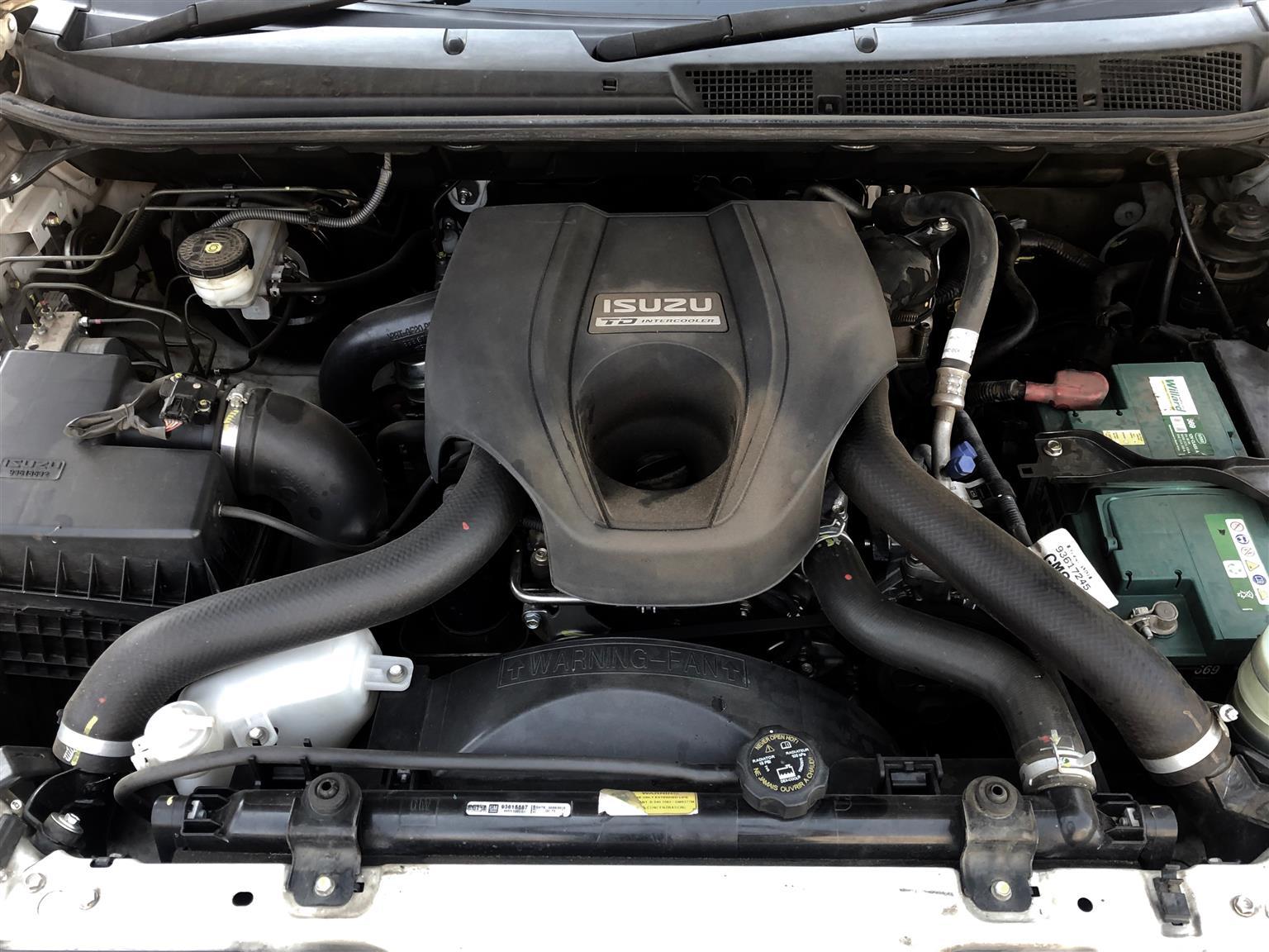 2015 Isuzu KB double cab KB 300 D TEQ LX P/U D/C