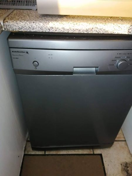 Dishwasher in excellent condition for sale or to swop for front loader washing machine in a decent