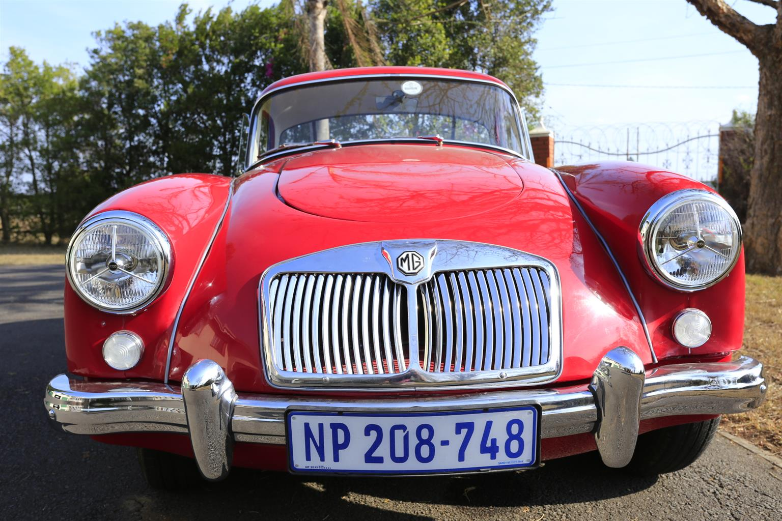 MG A 1500 Coupe - R350,000