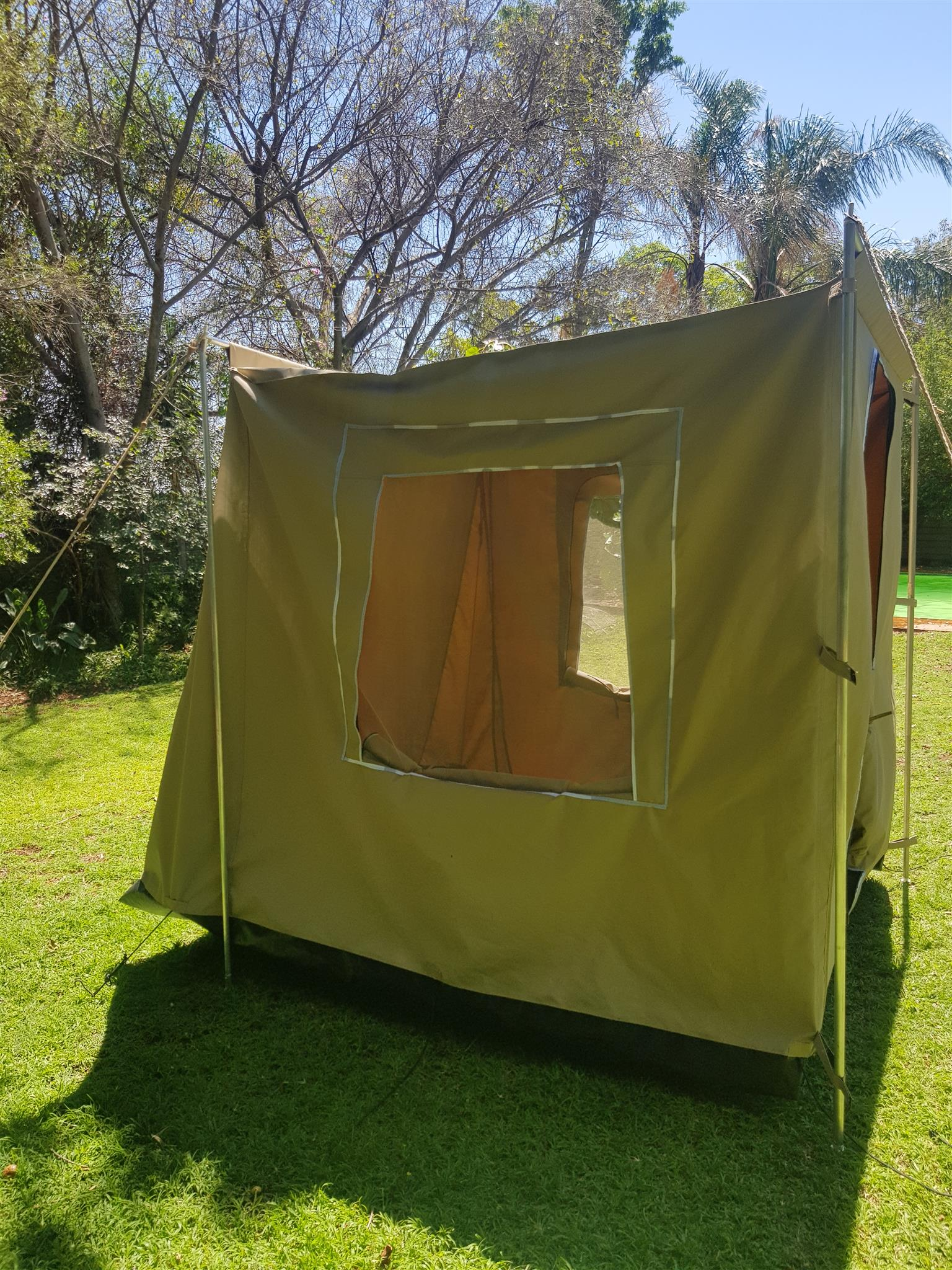 Multiroom with groundsheet compatible to most medium sized caravans,can stand on its own also