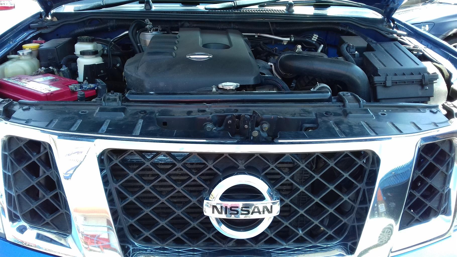 2012 Nissan Navara 2.5dCi double cab 4x4 LE
