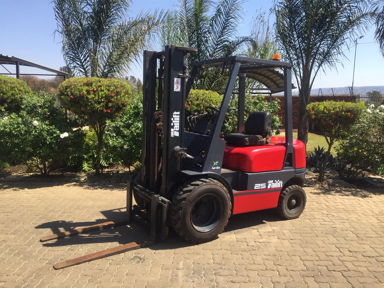 Tailift 2 5 ton Semi rough Forklift for sale Job-167