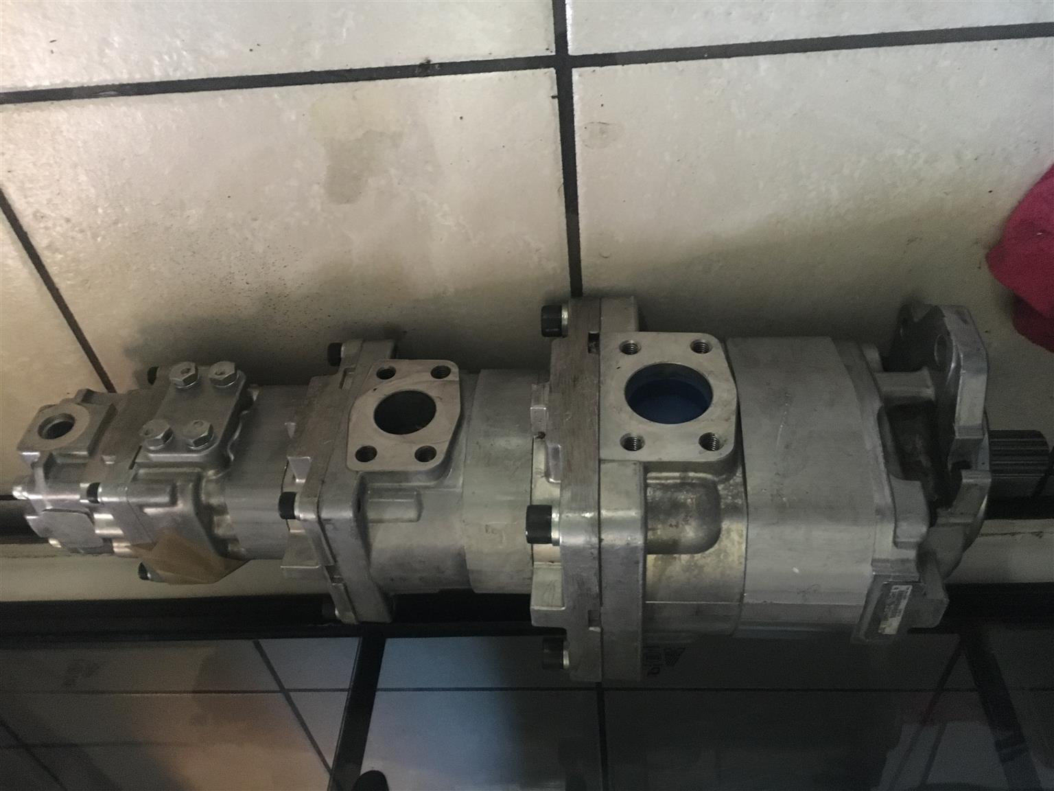 Machinery Parts Mail: Hydraulic Pumps WA320-5