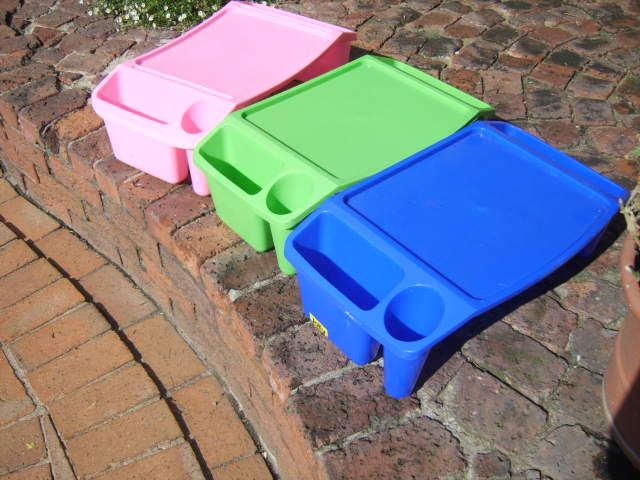 CHILD'S PLASTIC PLAY CENTRE (3)