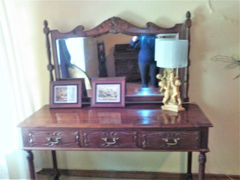 Exclusive Hand Carved Bedroom Suite Twin ¾ Beds, 2 Side Tables, Dressing Table in Storage