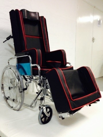 MR WHEELCHAIR PURE COMFORT E-CLINER-.