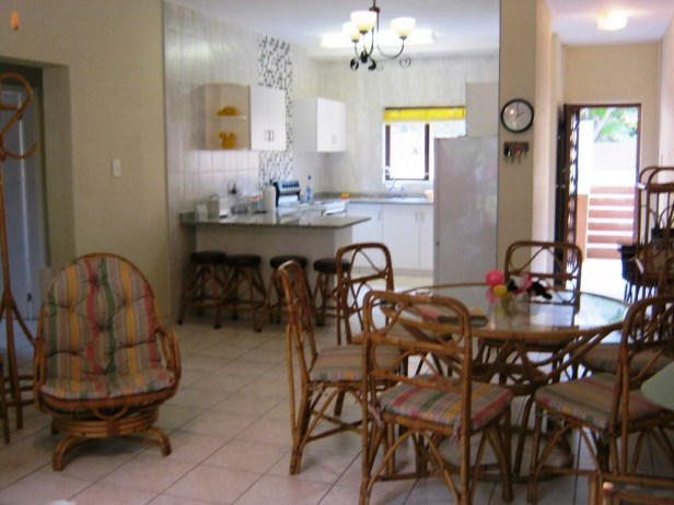 Neat 2 Bedroom Ground Floor Apartment for sale in Port Edward.