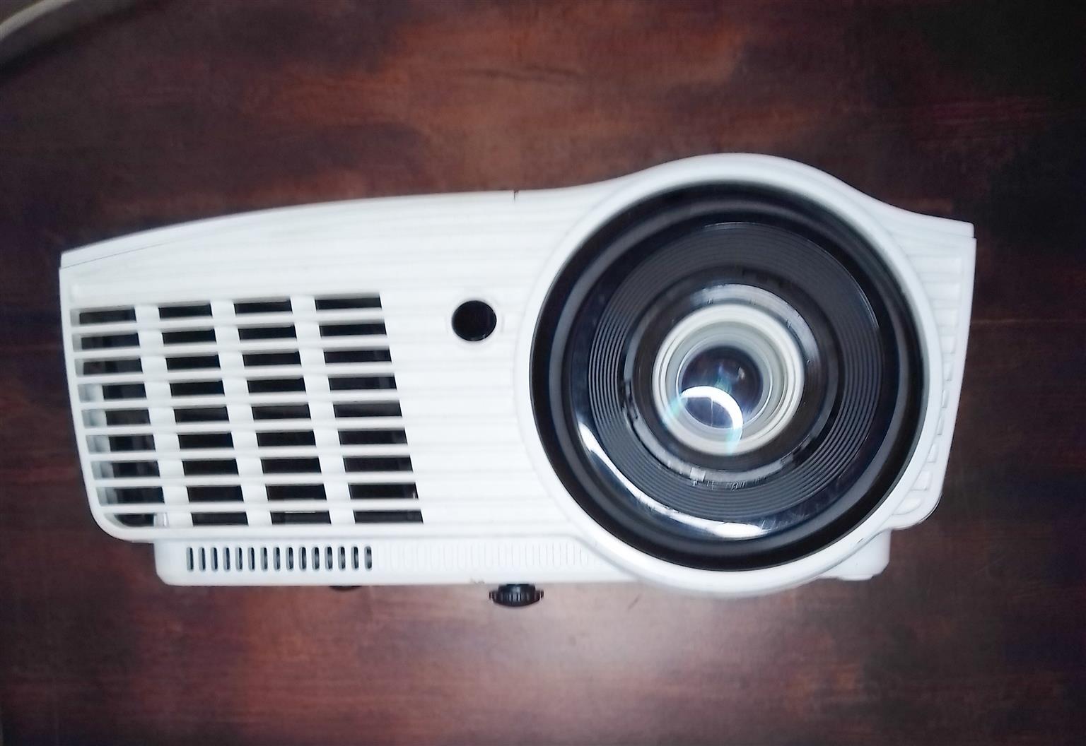 2nd Hand Optoma Projector