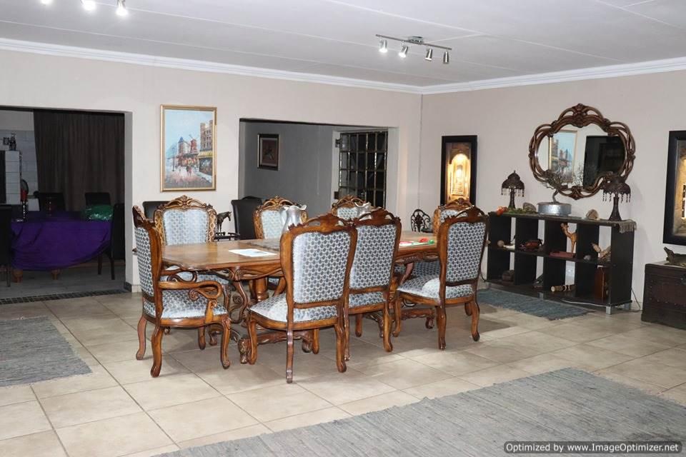 10ha Smallholding with business for sale @ Kromdraai