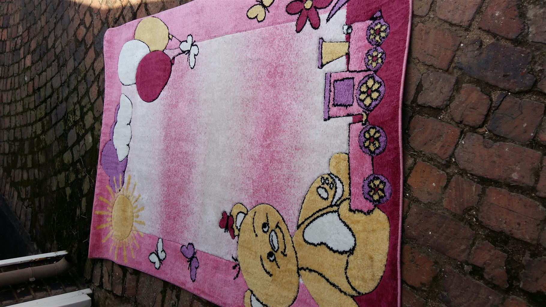 Carpet for baby girl