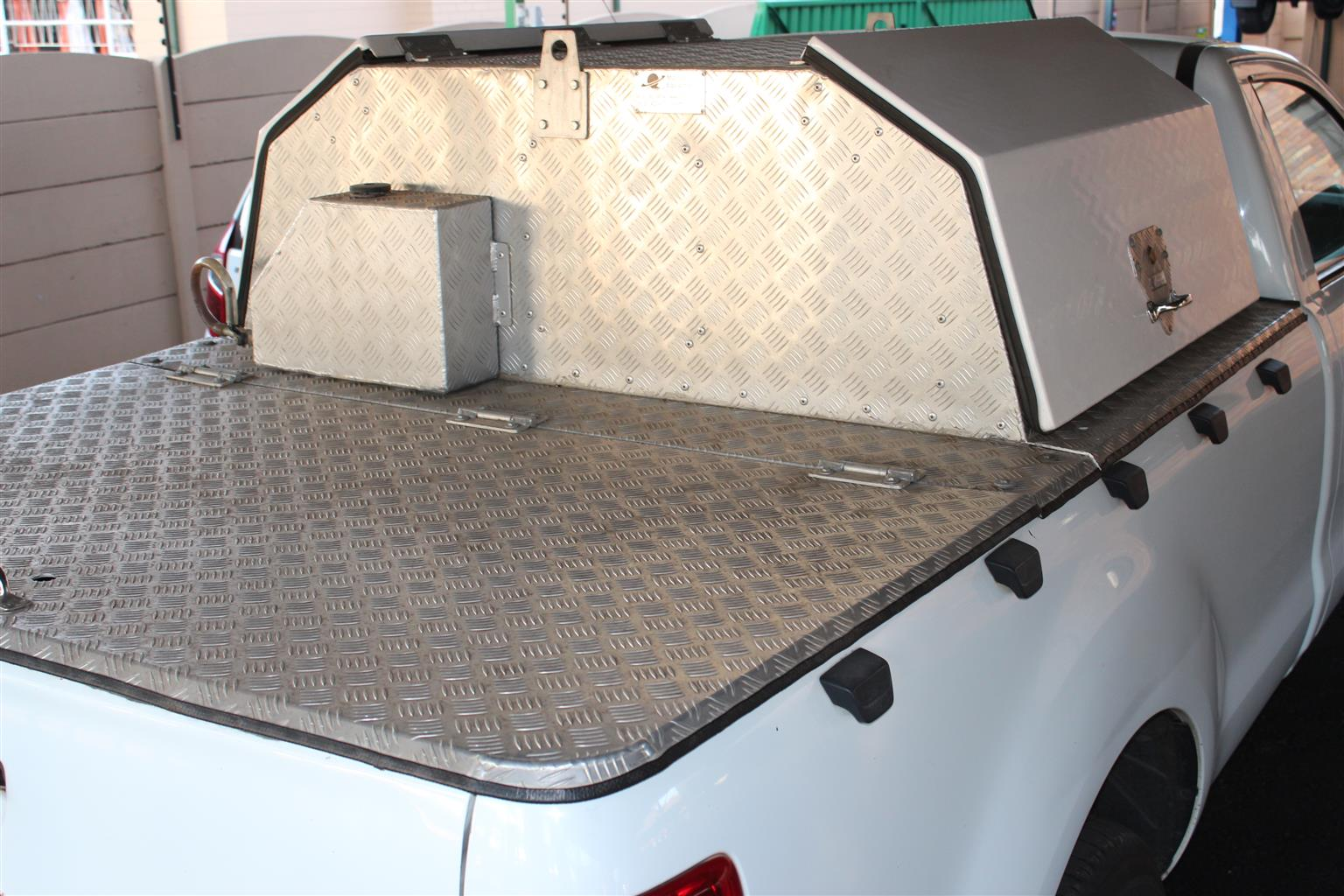 Toolbox Workstation Canopy