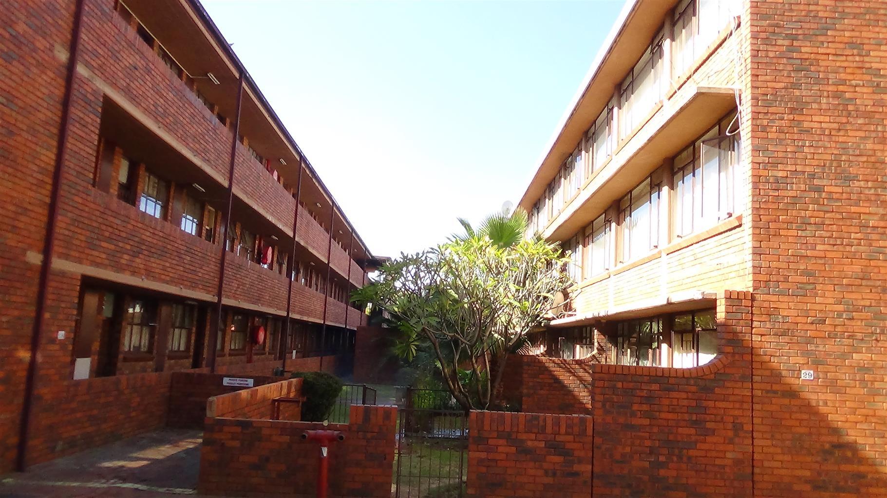 2 Bedroom Flat for Sale - Pretoria North – R 410 000