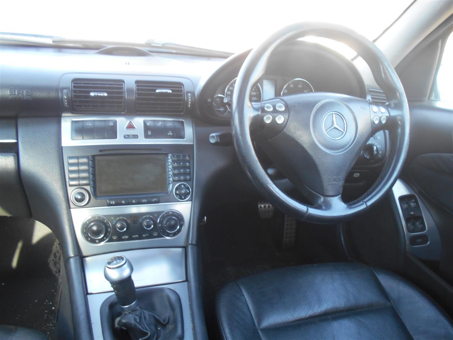 Mercedes Benz C200 Kompressor Stripping For Spares