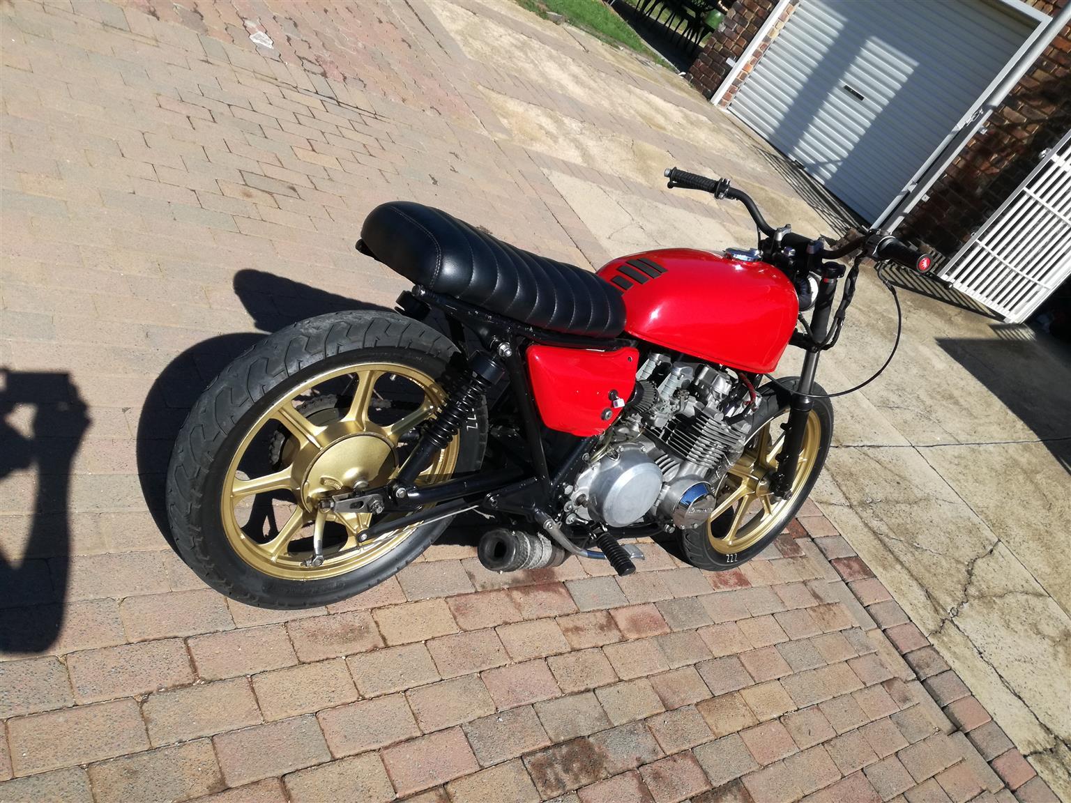 Kawasaki z650 brat