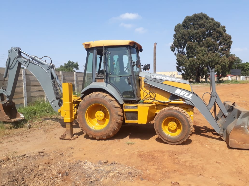 BELL 315 SJ 4x4 TLB for sale