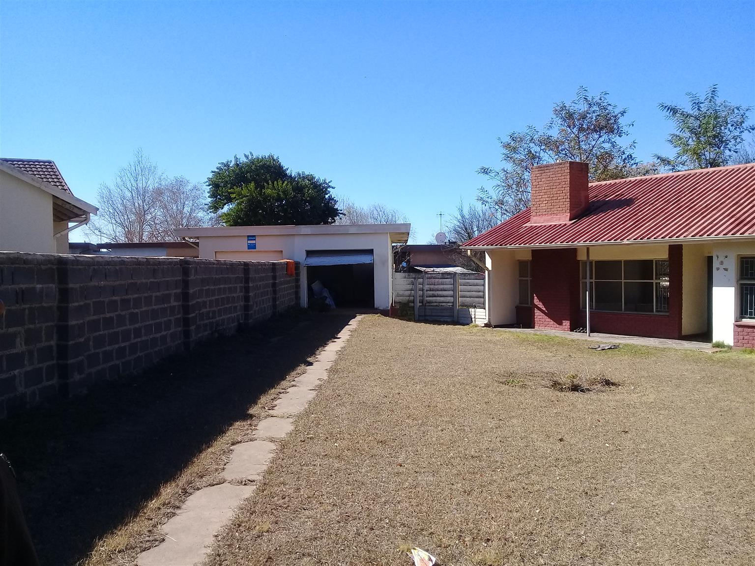 3 bedroom complete house to rent in Newcastle