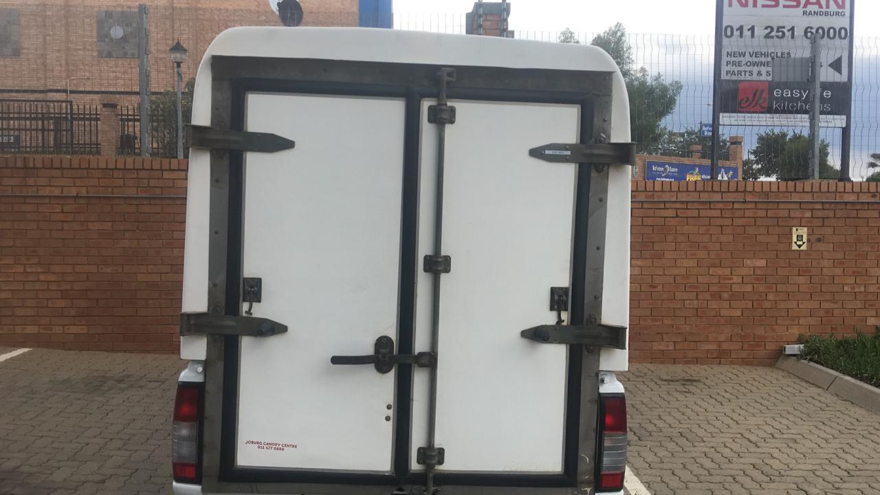 Space saver canopy to fit Np300