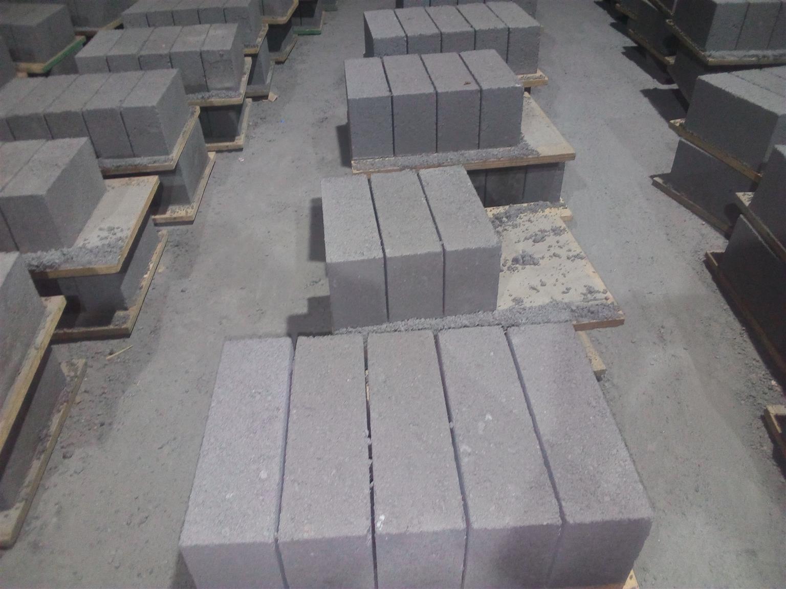 Royal maxi  bricks