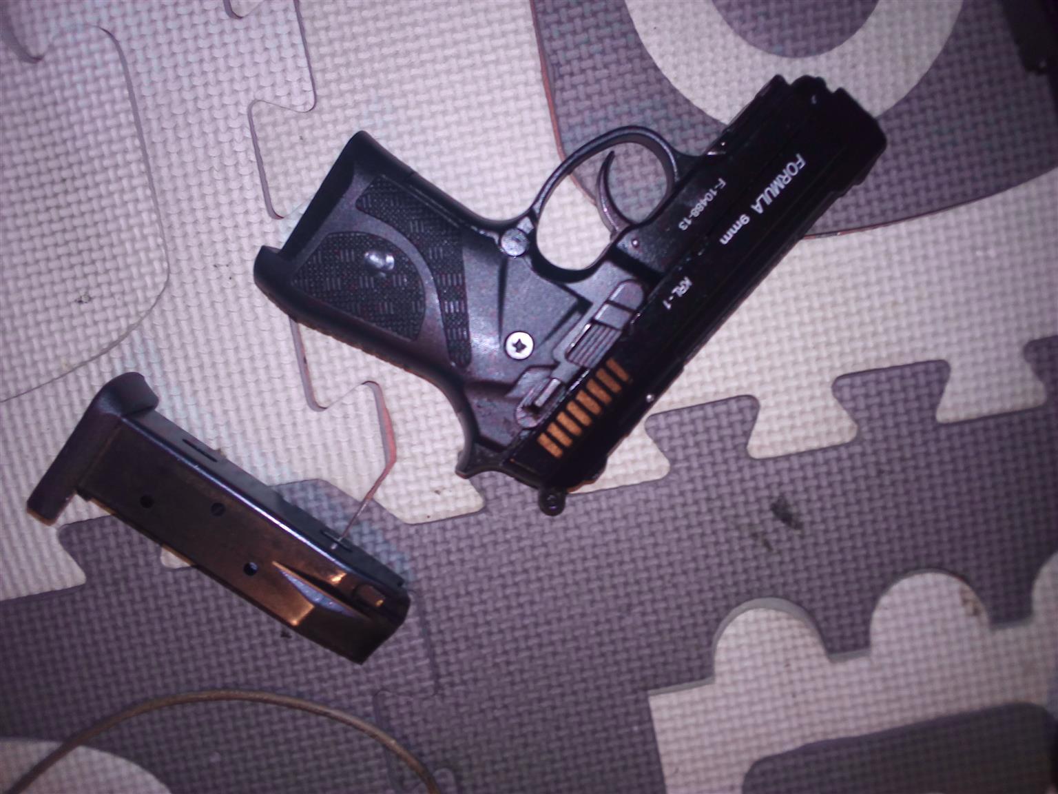 Formula 9 Blank Pistol