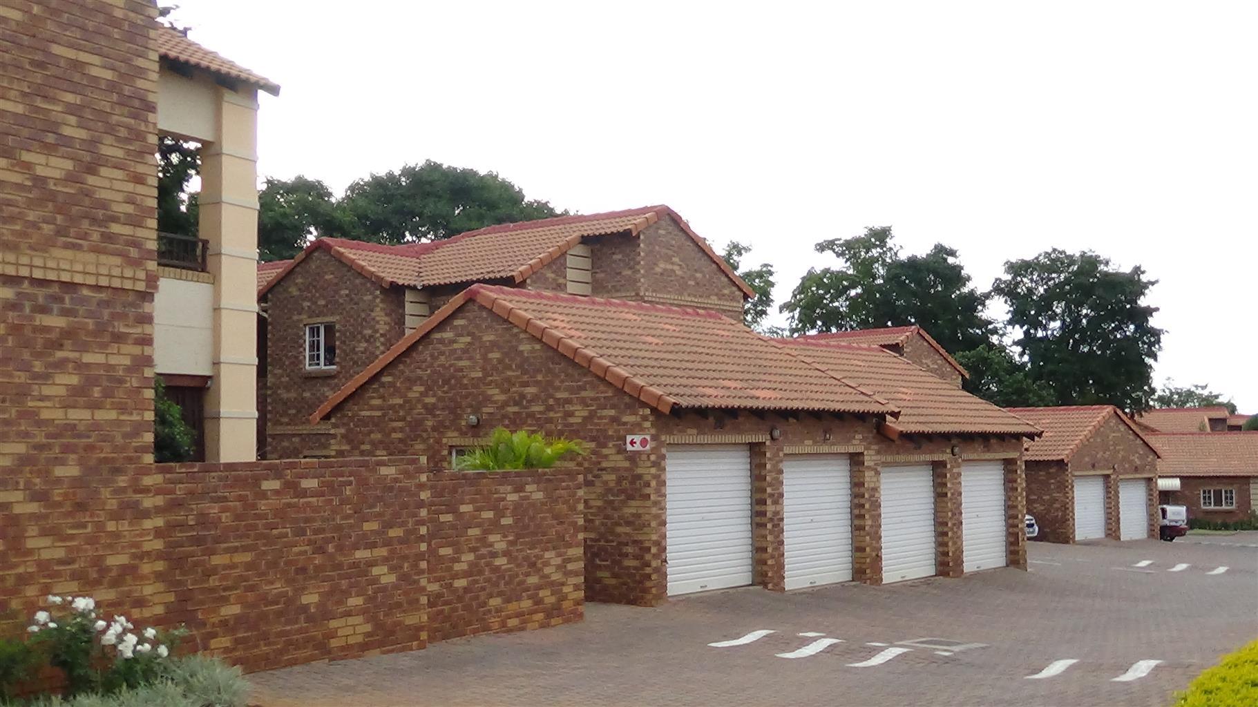 3 Bedroom Townhouse Apartment - Equestria (PTA EAST) – R 1 100 000