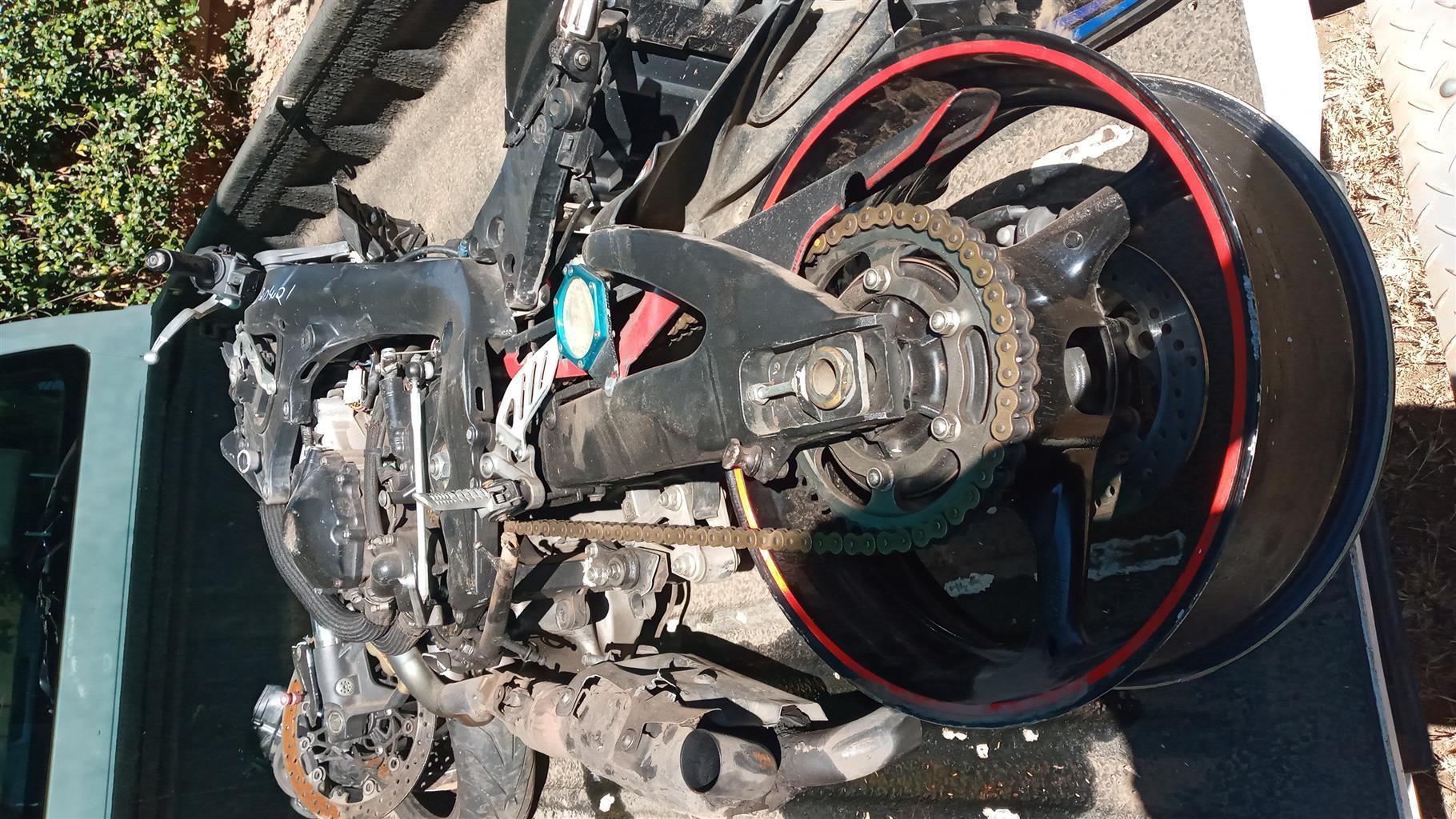 2009 suzuki gsxr 1000 braking up for spares or complete R18000 enjin stil good