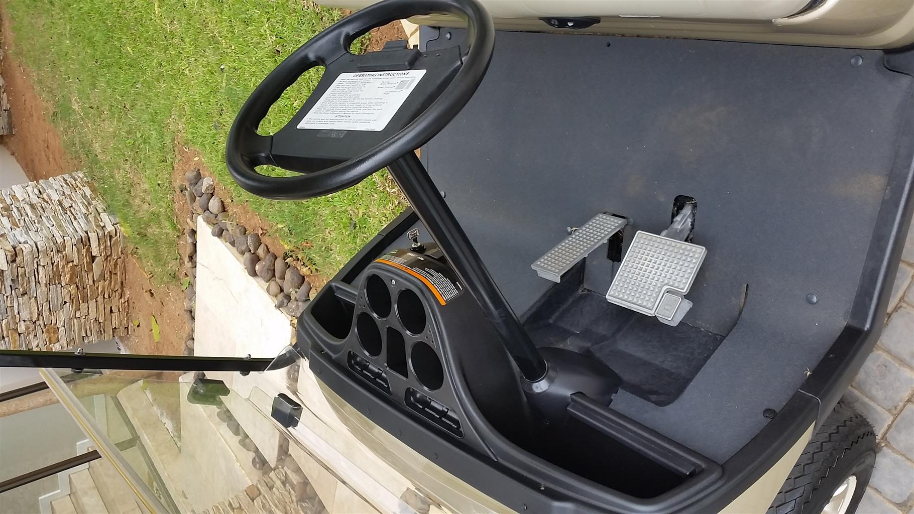 4 seater yamaha electric golf cart - mint condition - lots of extras