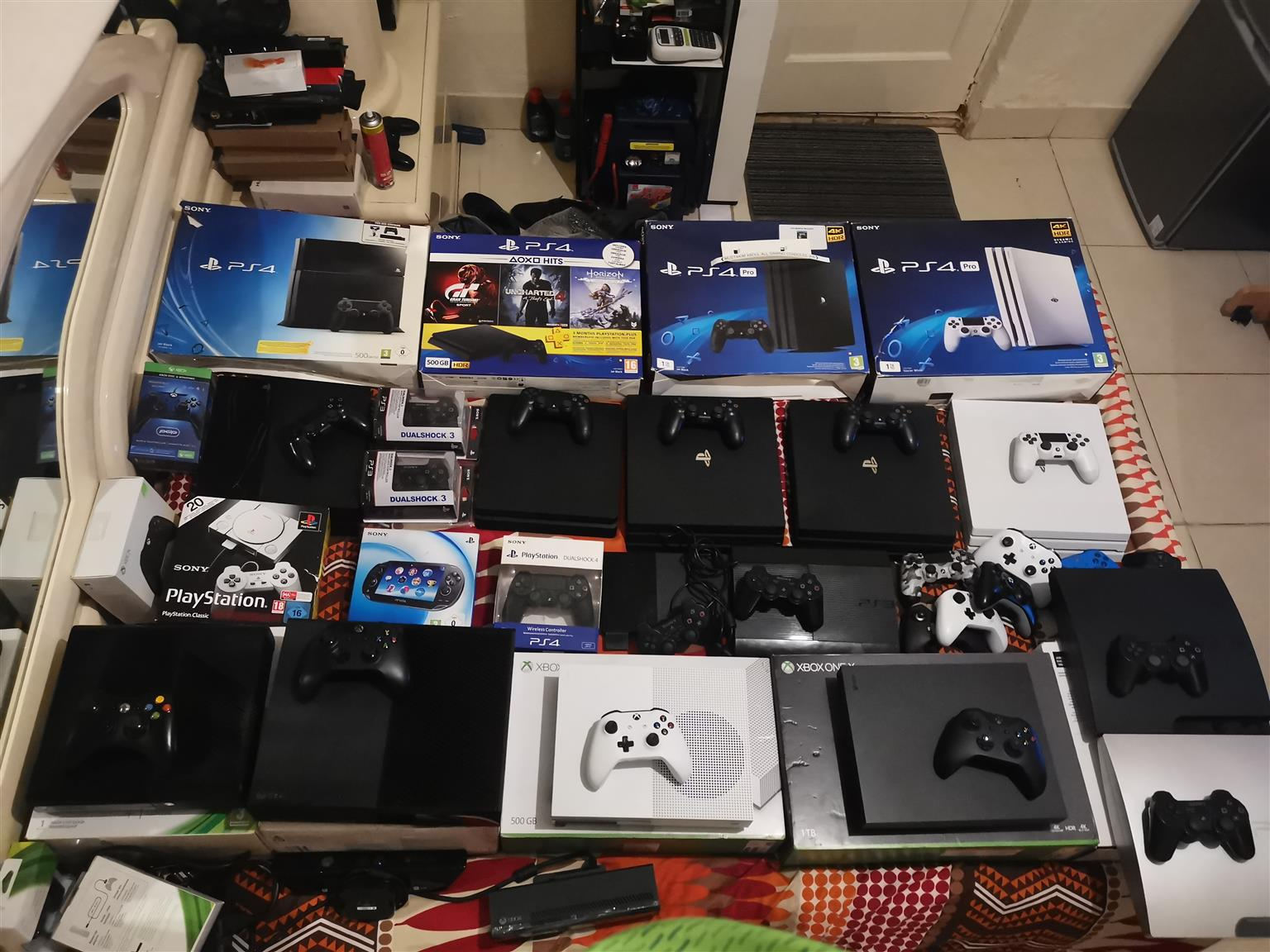 All gaming consoles Ps4 Xbox one s series Nintendo switch Ps3 Xbox 360