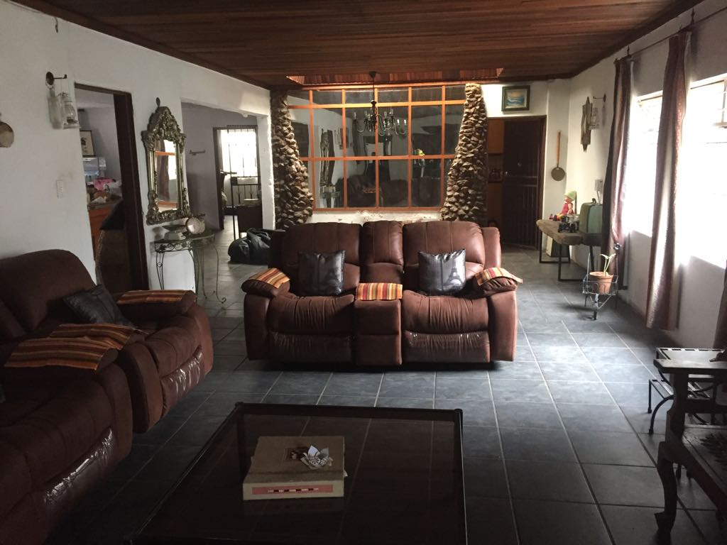 Large 3 bedroom house To Let