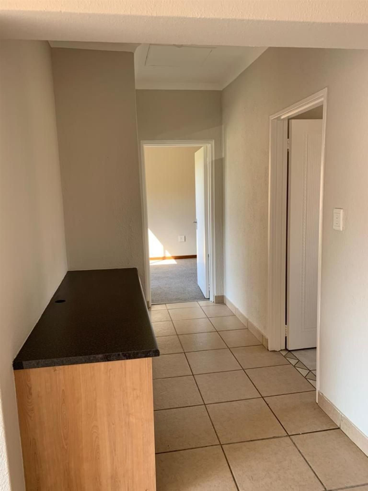 Townhouse Rental Monthly in POMONA & EXT