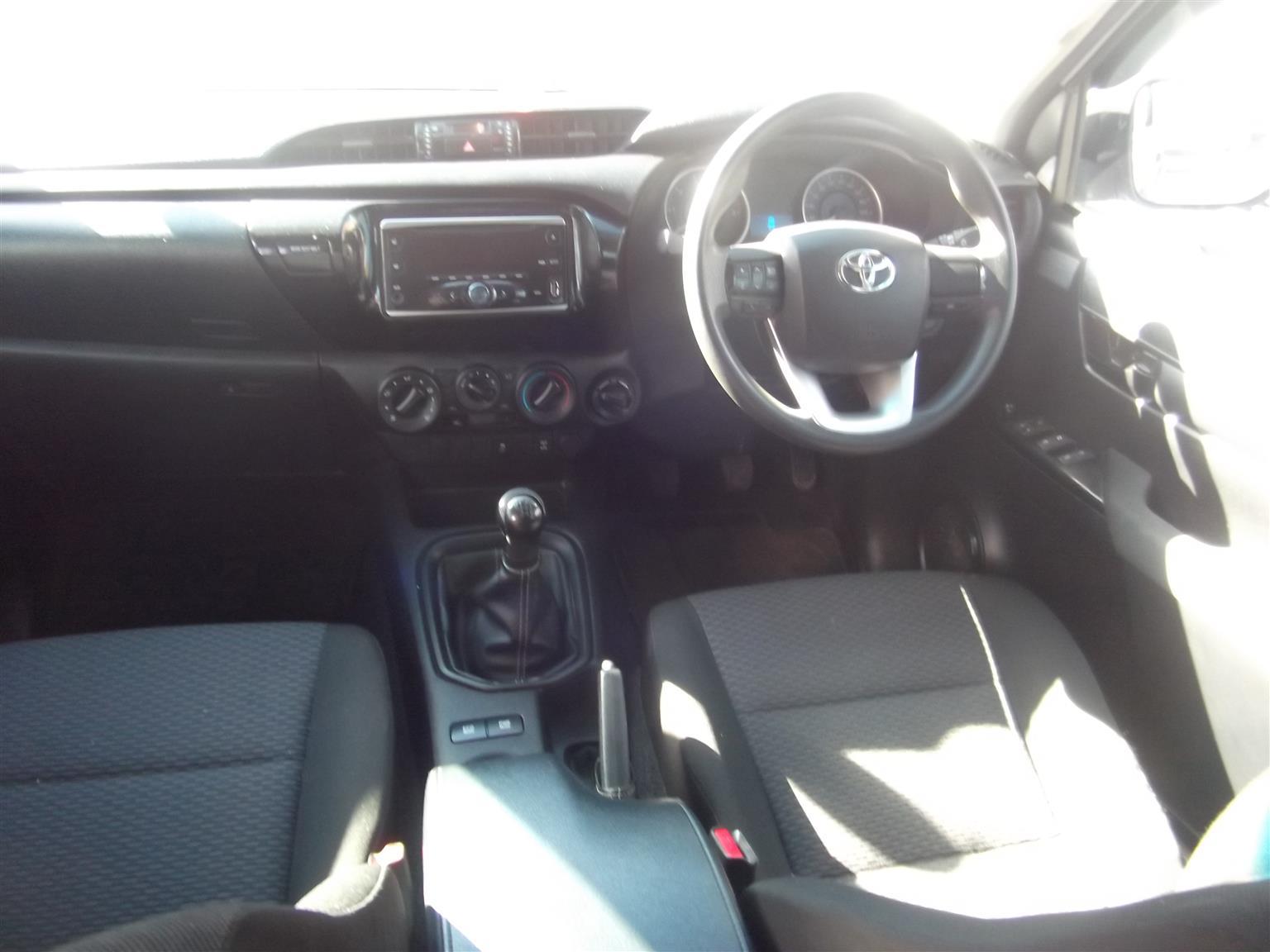 2016 Toyota Hilux 2.4GD 6 double cab 4x4 SRX