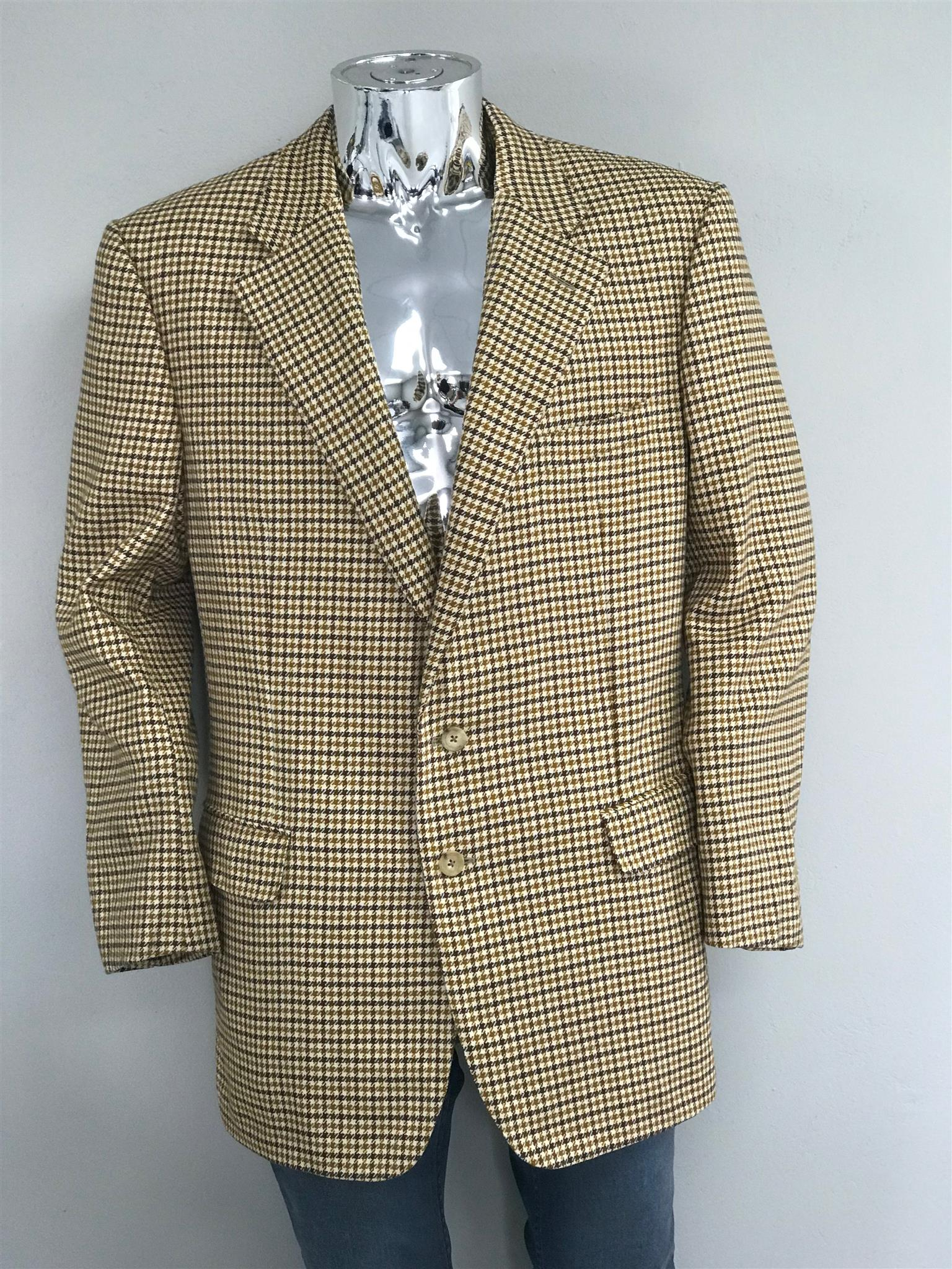 Men's Tweed Jackets - Second Hand Bales for resale. Was R590 now R450. While stocks last.