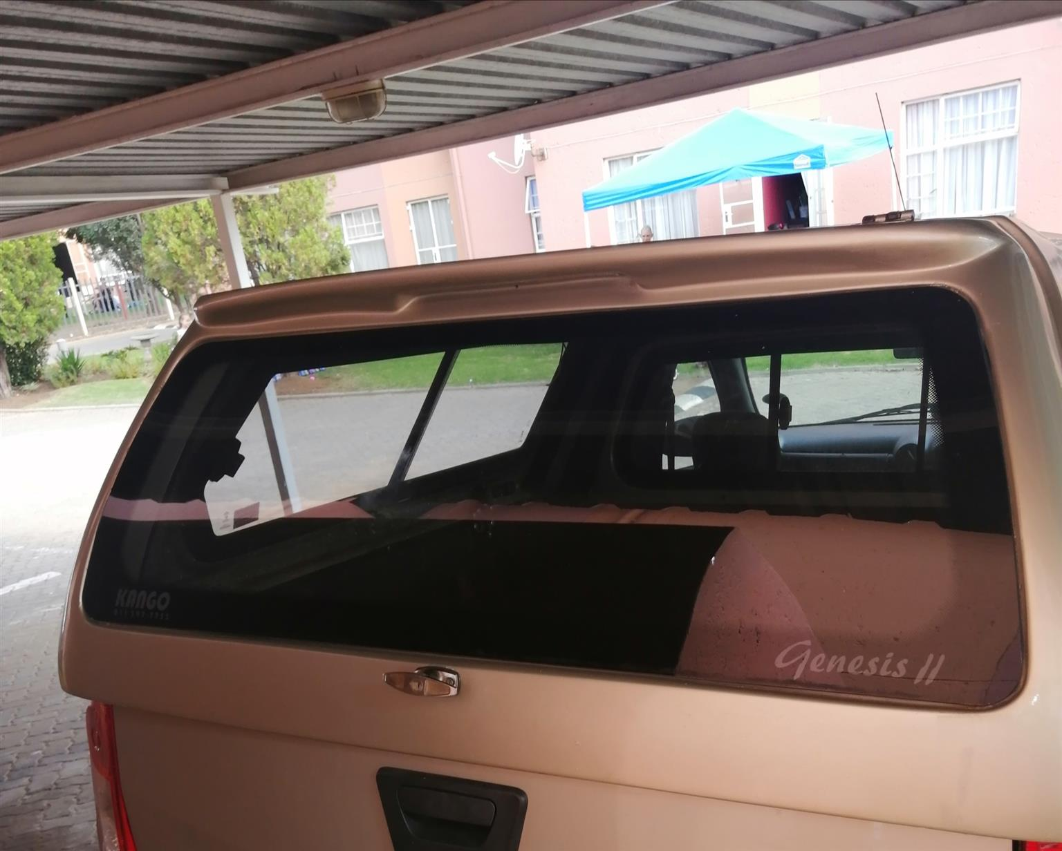 Nissan np200 canopy