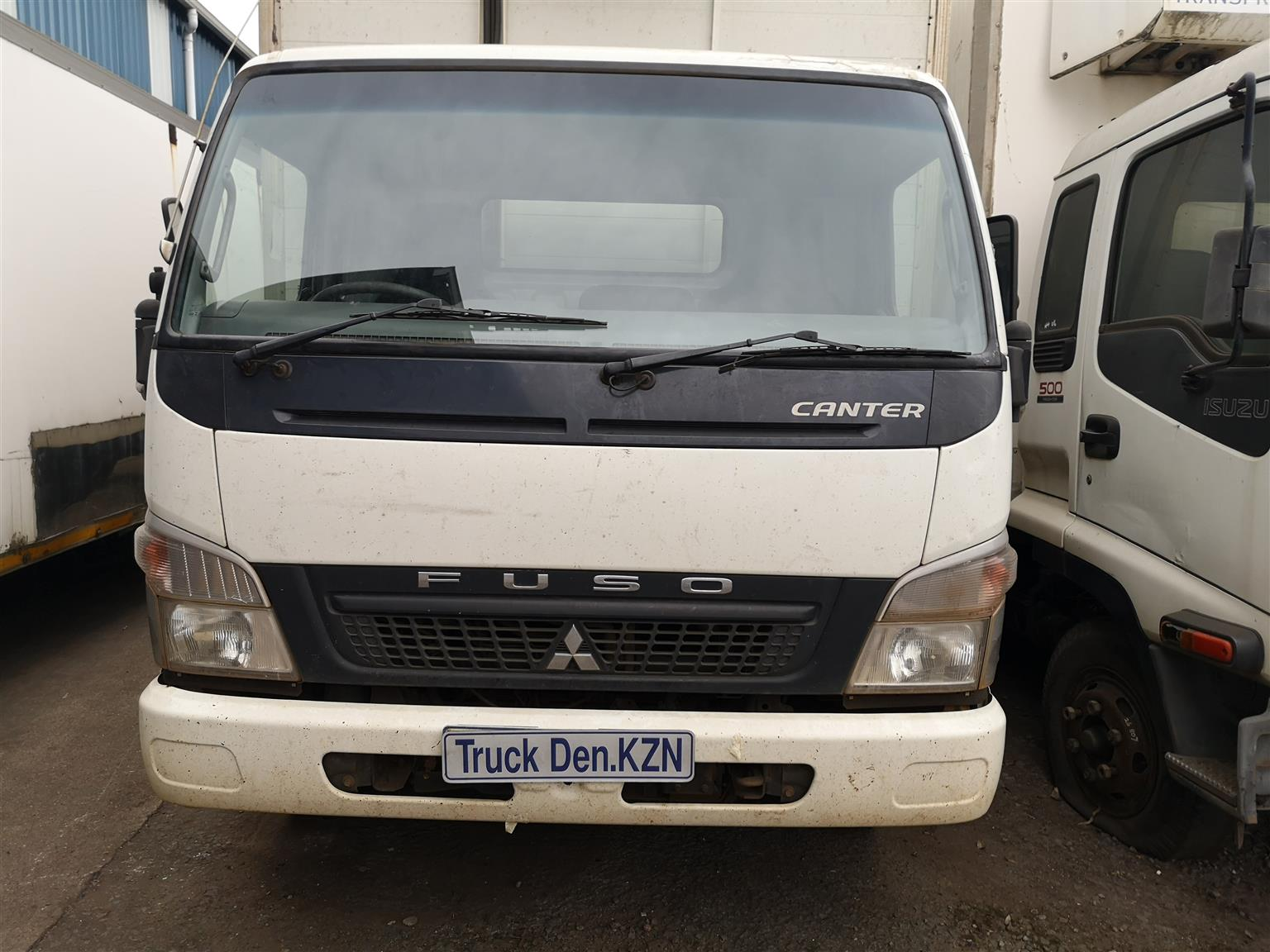 2013 Canter Fuso 7.136 stripping 4 spares only