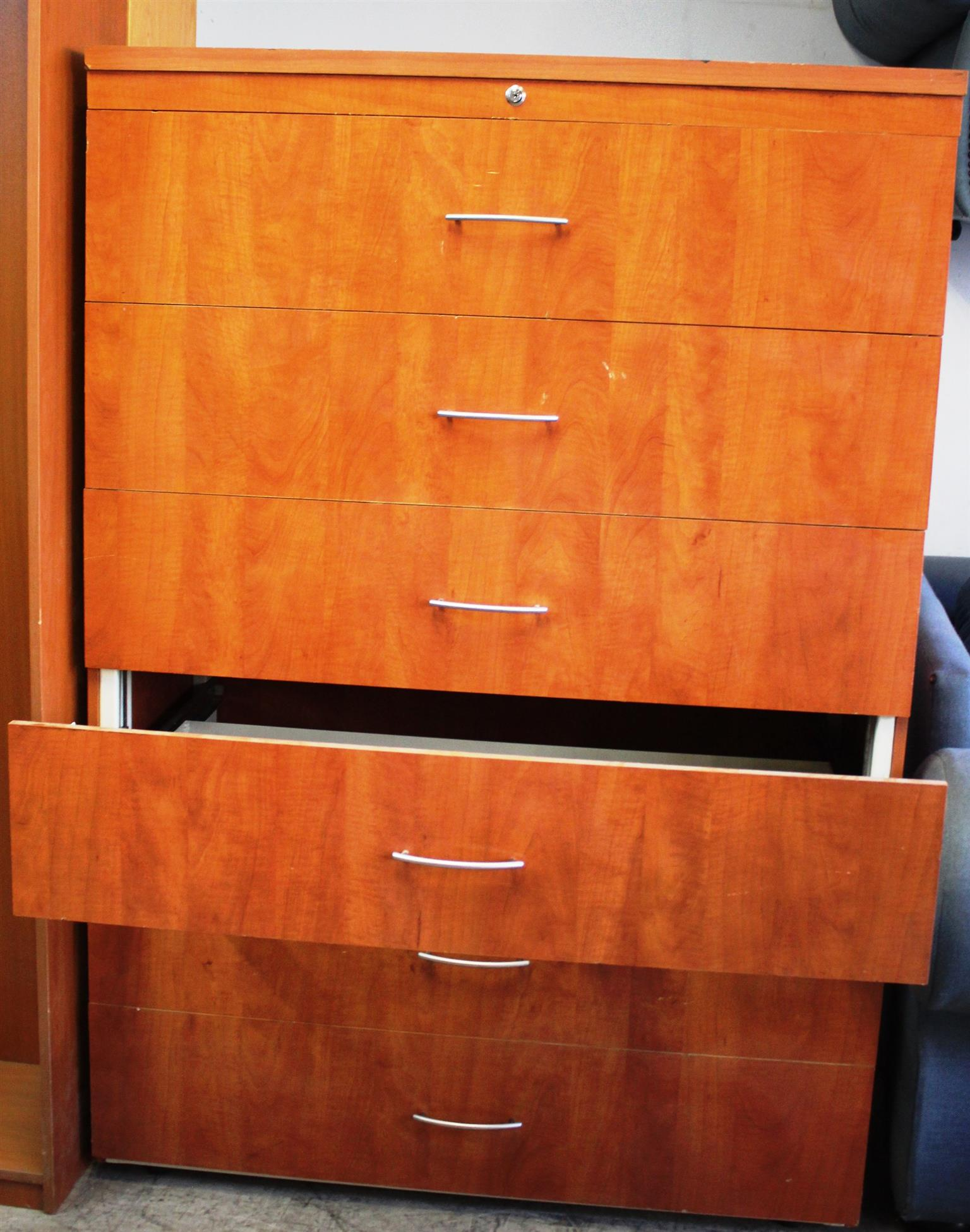 Wooden 6-Wide Drawer Cabinet-USED
