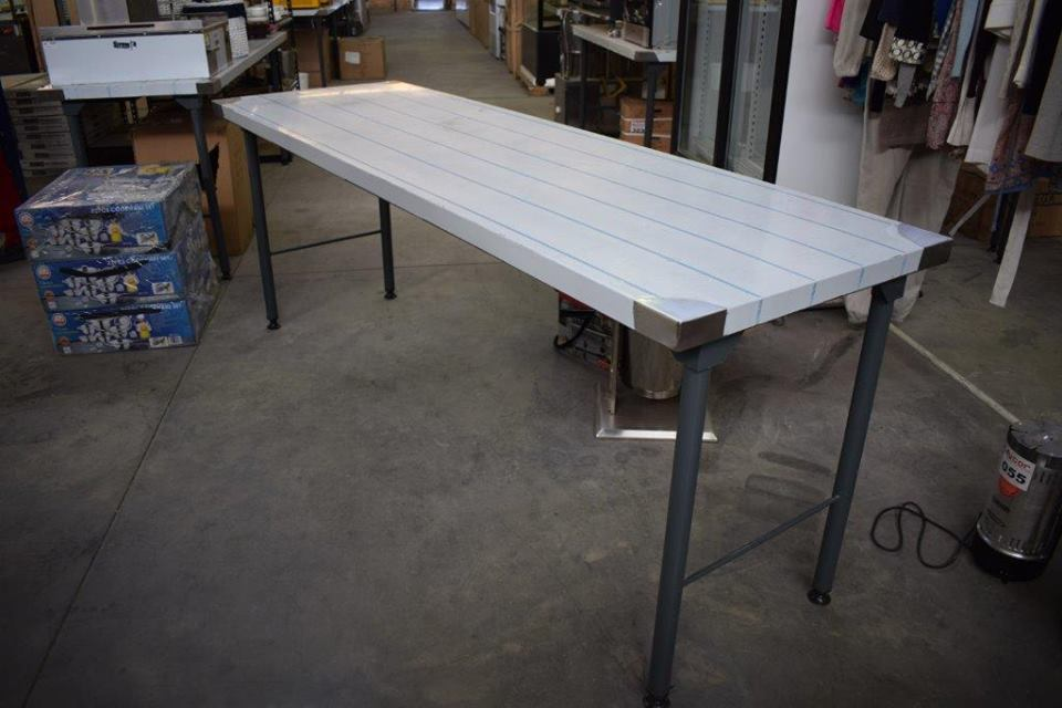 Long white pallet top table