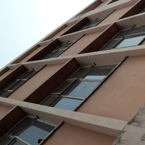 premises for rent in Rossburgh ground floor