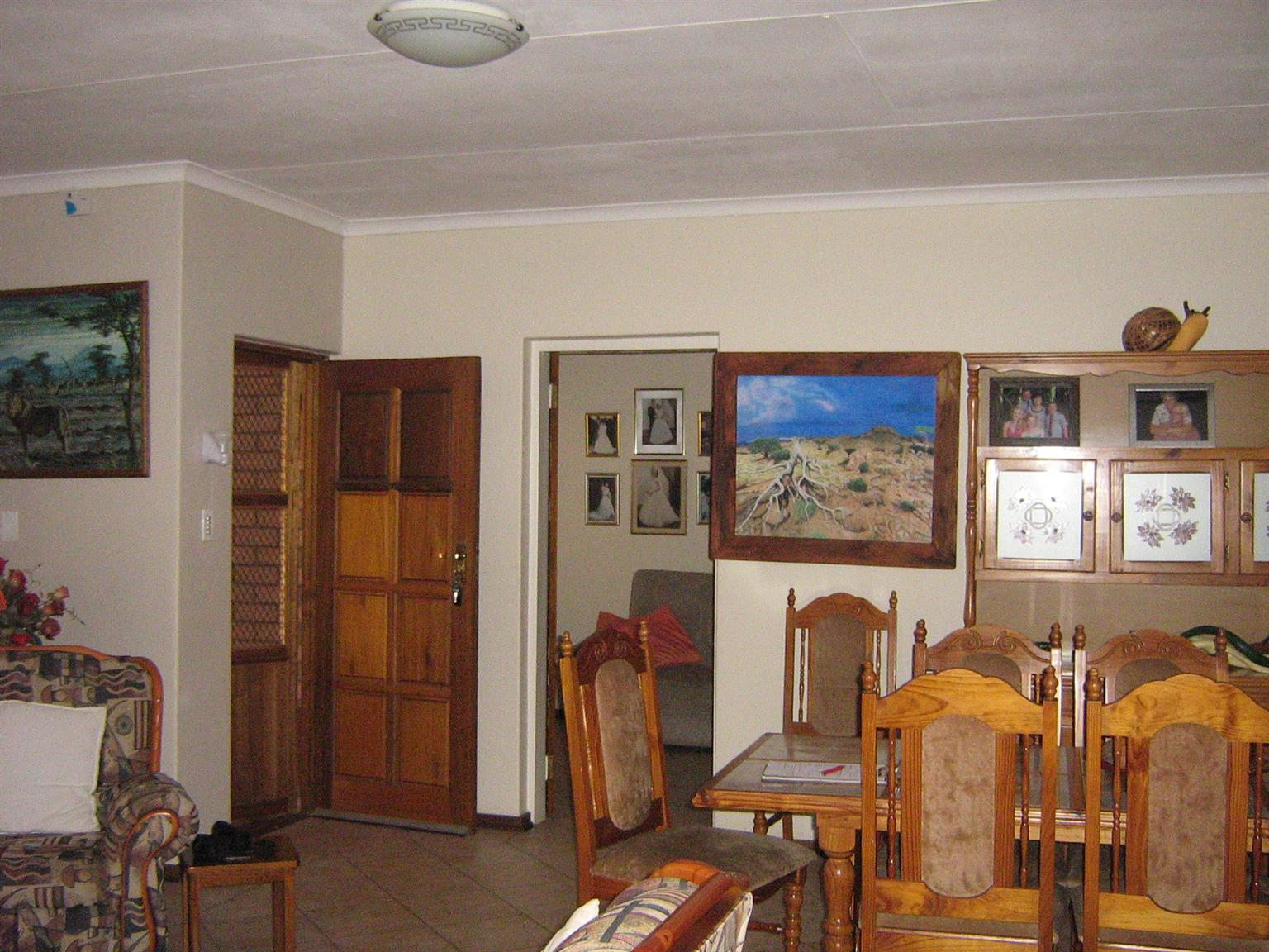SECURE 2 BEDROOM TOWNHOUSE ON THE MARKET: