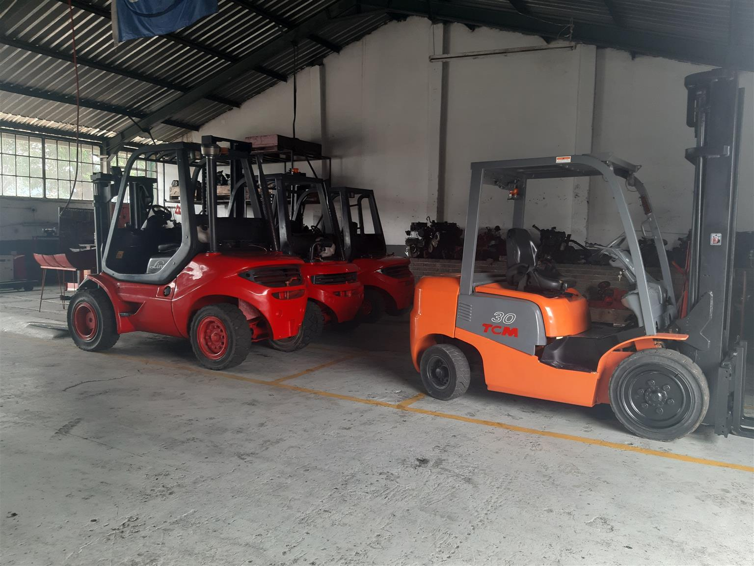 LINDE FORKLIFTS FOR SALE + PARTS