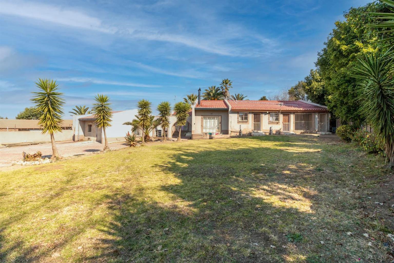House For Sale in Kelvin