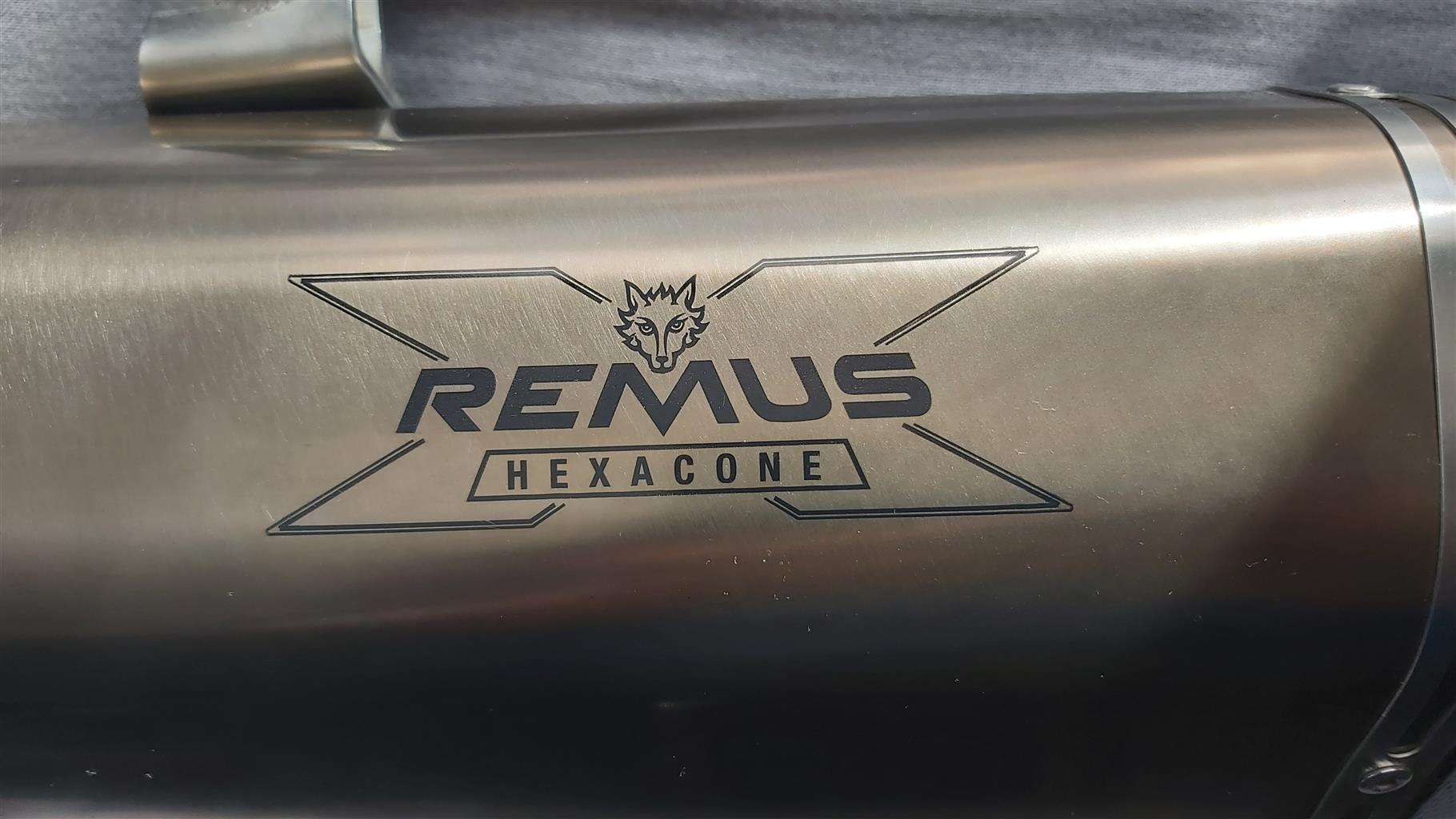 Remus Hexacone titanium slip on