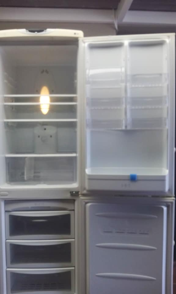 LG large fridge & freezer in very good condition for sale