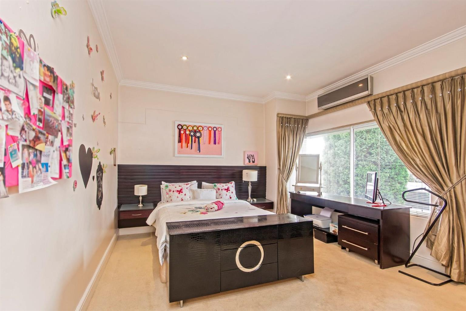 House For Sale in Hyde Park