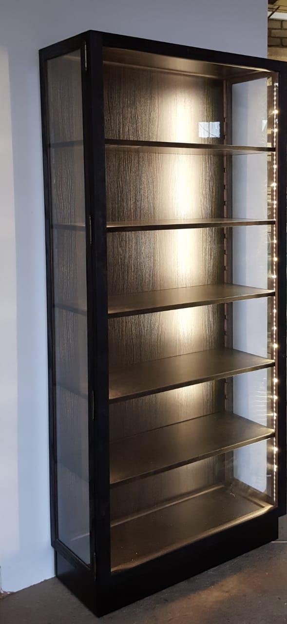 "Vertoon Kaste / ""Display Cabinets. -  ""Glass Display cabinets Custom made, Dust Proof! - Best Prices."