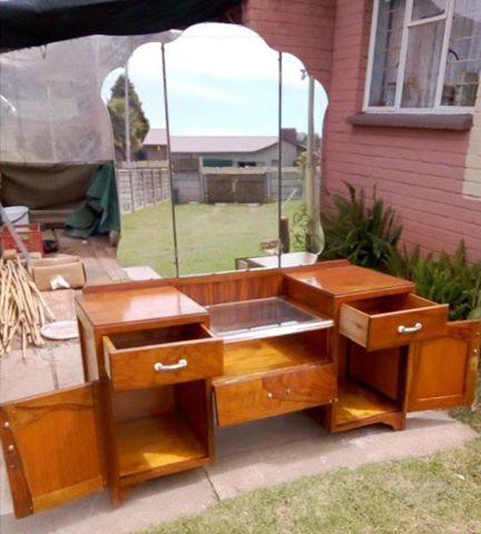 check out 2f9cc 844da Ellis & Co Ltd Antique dressing table for sale