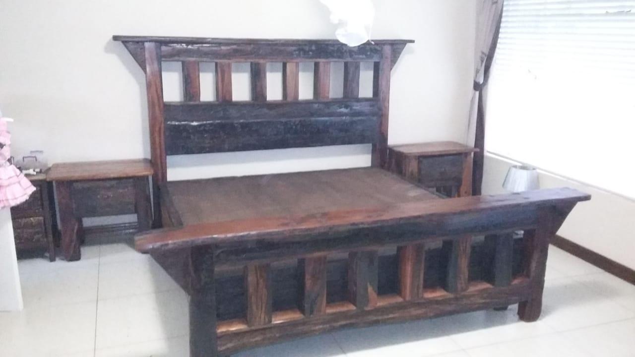 Double bed sleeper wood base