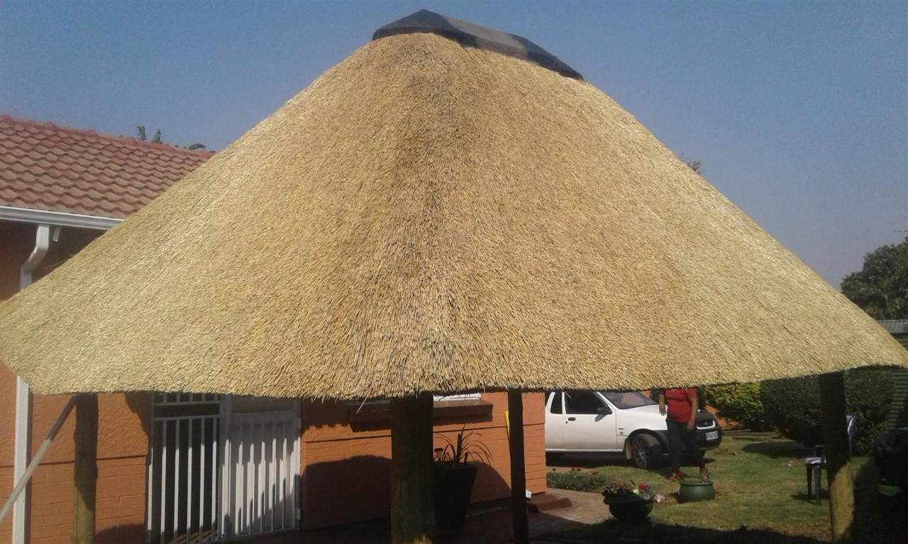 Affordable Lapas, Thatched Roofs, Thatch repair and maintenance in gauteng