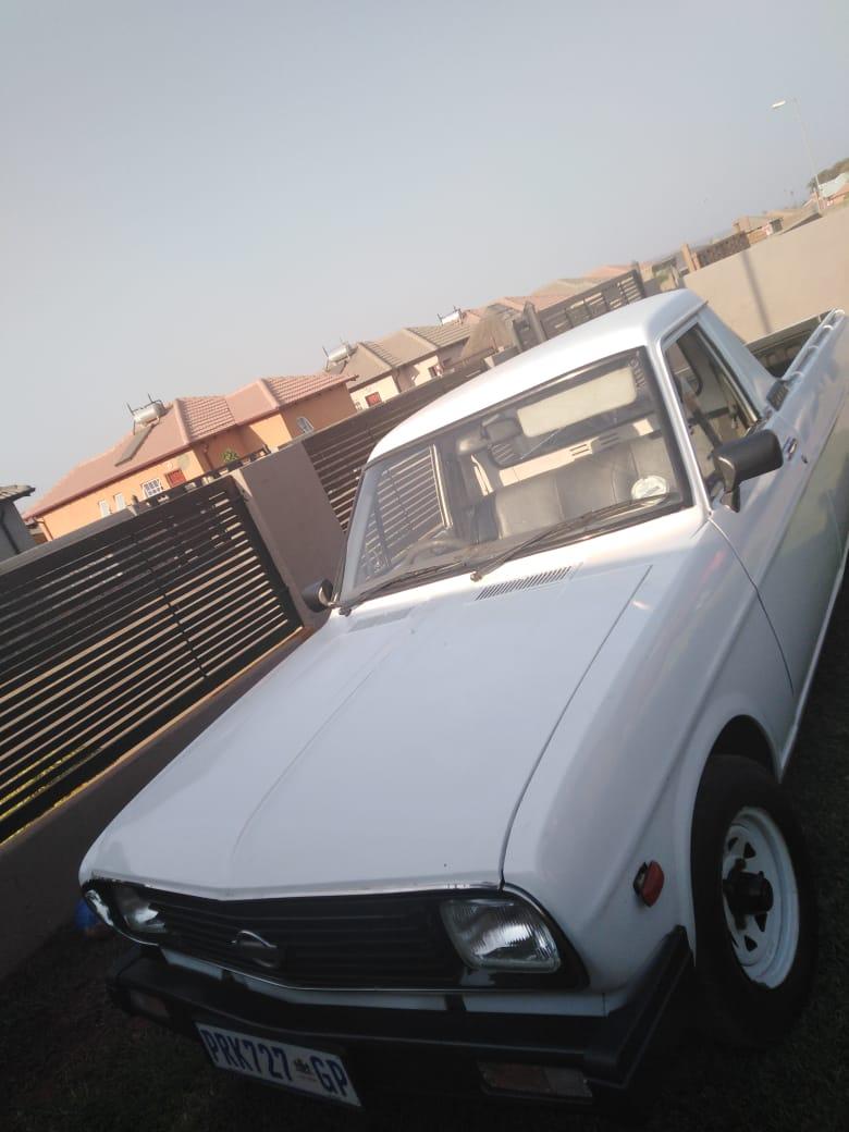 2003 Nissan 1400 Heritage Edition