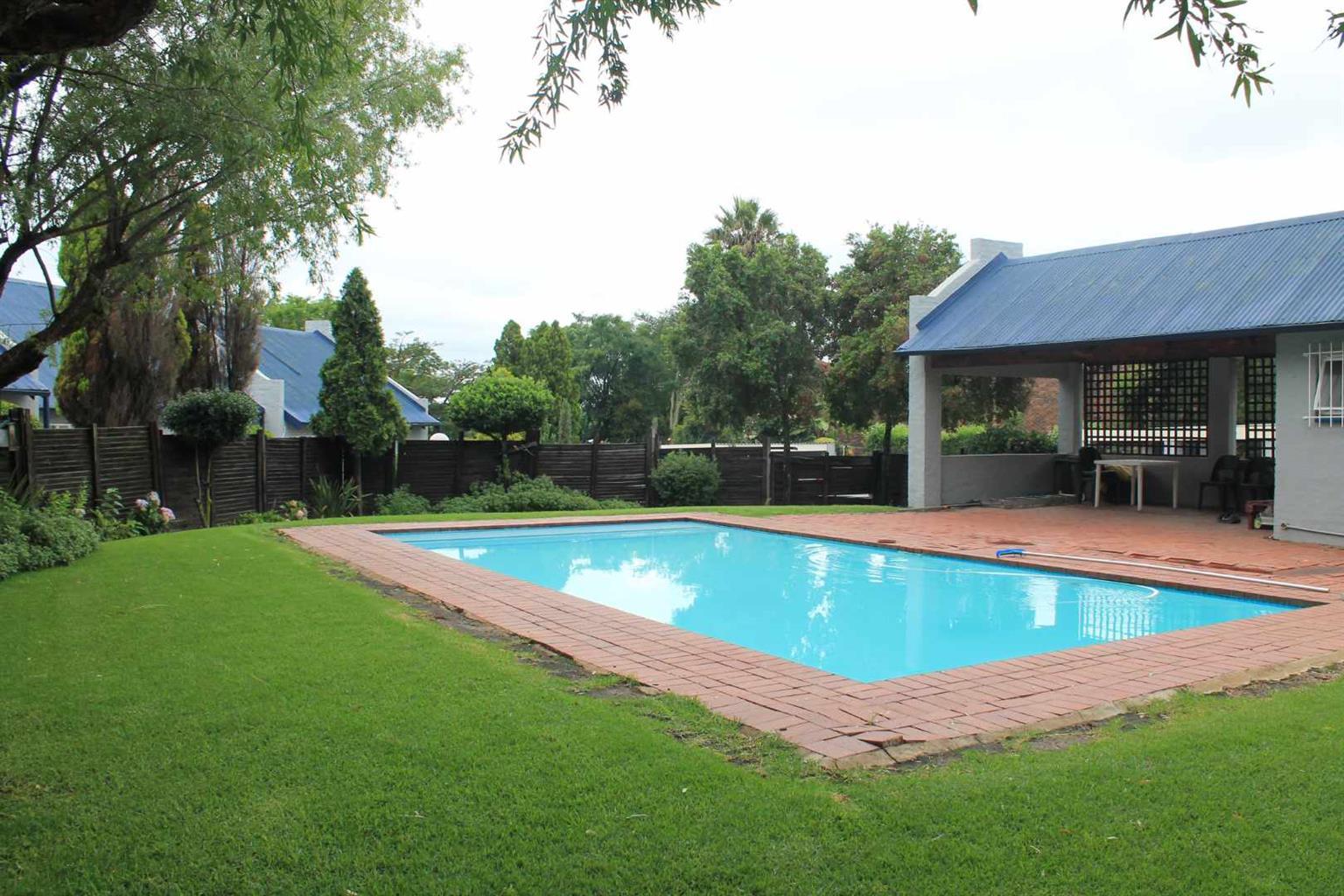 Townhouse Rental Monthly in Kelvin