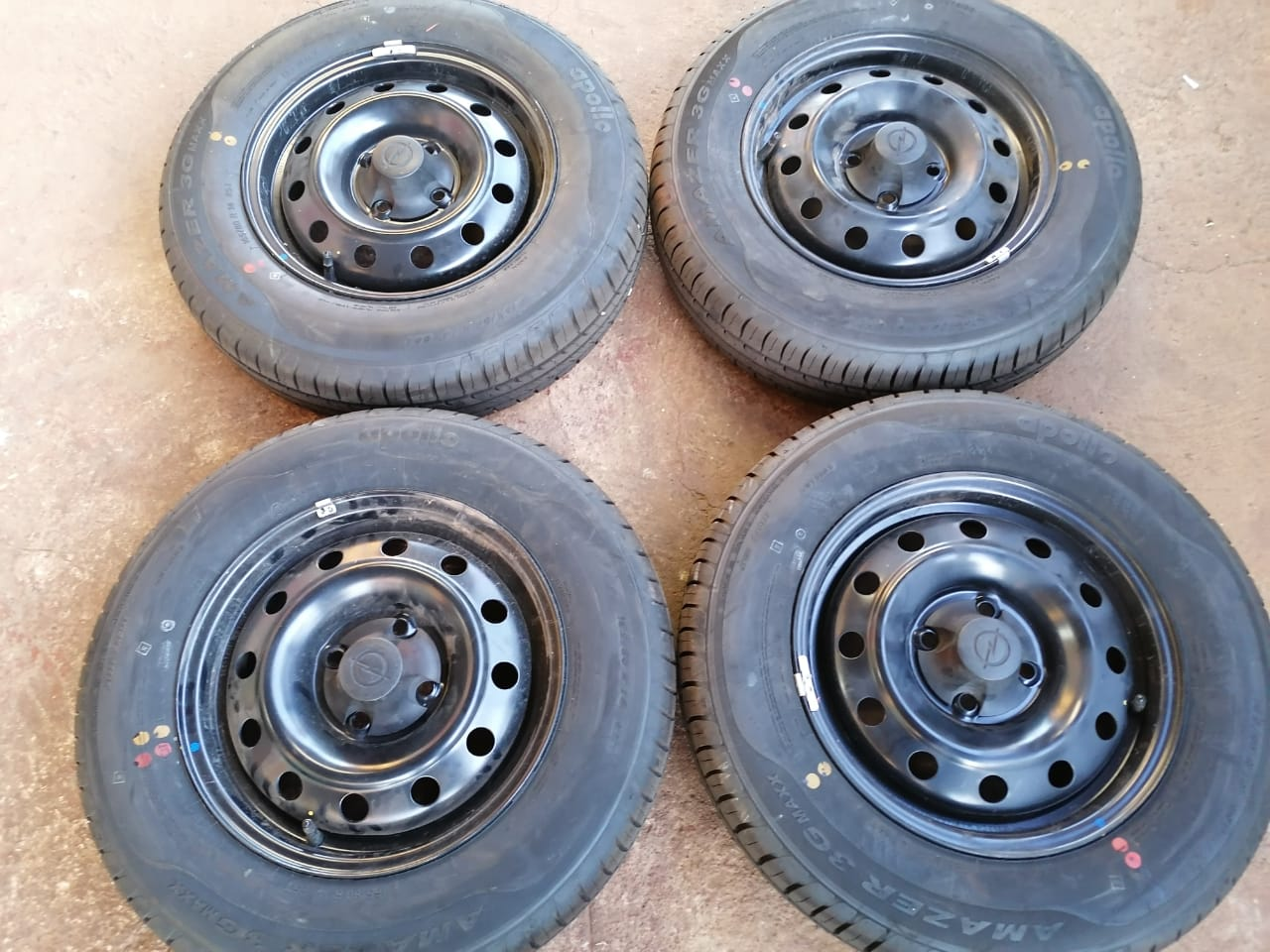 14inch tyres for sale 165-80-14s.    For Toyota Corolla runx shape