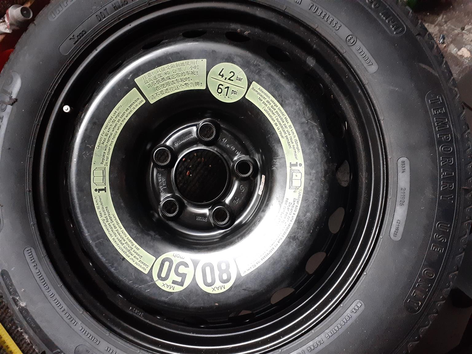 Genuine Mercedes Benz Spare wheel emergency kit to fit A class and C class Merc